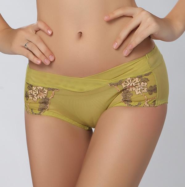 Teen girl nude body
